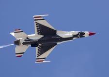 thunderbirdU.S.A.F. för 16 f Arkivfoto