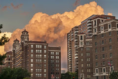 Thunderstorm över Kansas City Missouri Arkivbild
