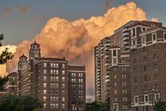 Thunderstorm πέρα από την πόλη Μισσούρι του Κάνσας Στοκ Φωτογραφία