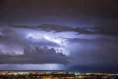 Thunderstorm i natten Royaltyfri Foto