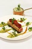 Thunfisch mit Avocado und guacame Lizenzfreie Stockfotos