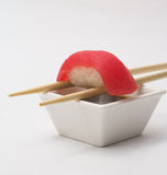 Thunfischsushi nigiri stockfotos