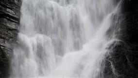 Thung Nang Khruan瀑布Namtok Thung Nang Khruan在深森林里 股票录像