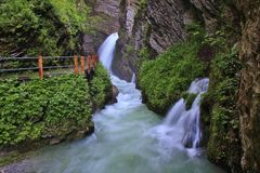Thurfaelle,在Toggenburg谷的瀑布 库存图片