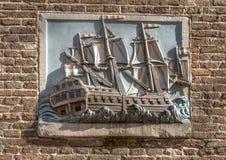 Thuystvreest 1745 Gable Stone, Amsterdão, os Países Baixos imagens de stock