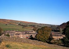 Thwaite village, Yorkshire Dales. View of the village and surrounding countryside, Thwaite, Yorkshire Dales, North Yorkshire, England, UK, Great Britain Stock Photo