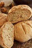Thym et pain de noix intégral aromatisé par romarin Photos libres de droits