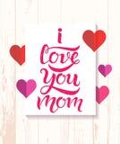 Ti amo manifesto dell'iscrizione di tipografia della mamma su fondo strutturato di legno Immagine Stock