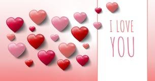 Ti amo testo e cuori pieni di bolle dei biglietti di S. Valentino con la scatola vuota Immagine Stock