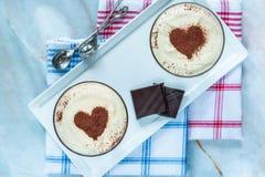 Tia Maria und Schokolade sahnt Nachtisch lizenzfreie stockfotografie