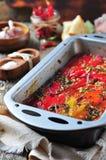 Tian, peperoni di verdure e melanzana al forno con olio d'oliva ed aglio Cucina francese Fotografie Stock