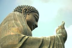 Tian Tan Βούδας ή γιγαντιαίο άγαλμα του Βούδα Po Lin στο μοναστήρι Στοκ Εικόνα