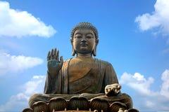 Tian Tan Βούδας ή γιγαντιαίο άγαλμα του Βούδα Po Lin στο μοναστήρι Στοκ Φωτογραφίες