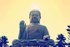 Tian Tan Βούδας ή γιγαντιαίο άγαλμα του Βούδα Po Lin στο μοναστήρι Ngong Στοκ Εικόνες