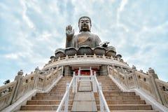 Tian Tan Buddha em Po Lin Monastery, ilha de Lantau em Hong Kong fotografia de stock royalty free