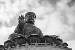 Tian Tan Buddha & x28; Stora Buddha& x29; i Hong Kong Royaltyfria Bilder