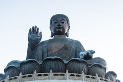 Tian Tan Buddha stora buddha - placerade det mest högväxta utomhus- för världs` s Arkivbild