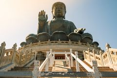 Tian Tan ou le grand Bouddha géant est une grande statue en bronze située à PO Lin Monastery dans Ngong Ping Lantau Island Point  photo stock