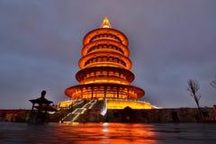 Tian tempel vid natt Luoyang Henan landskap Kina Royaltyfria Foton