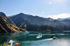 Tianchi LakeHeaven s湖在新疆,中国 免版税库存图片