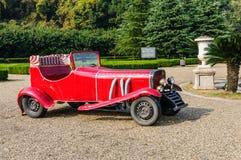 Tianducheng parkerar utställning det röda gamla car,in hangzhou porslinet arkivbild