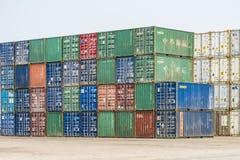 Tianjin China - el 4 de julio de 2016: Escena del terminal de la carga del envase del puerto de Tianjin imagen de archivo libre de regalías