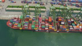 Tianjin, Chine - 4 juillet 2017 : Vue a?rienne de port avec des conteneurs de cargaison, Tianjin, Chine banque de vidéos