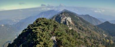 Tiantai TempleÂs Daxiong Baodian, skatt Hall av den stora hjälten, på monteringen Jiuhua, nio härliga berg Royaltyfria Bilder