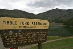 Tibble叉子水库和标志,犹他 免版税库存照片