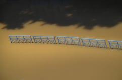 Tiber-Fluss mit Zaun Lizenzfreies Stockbild