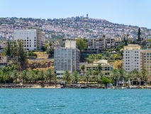 Tiberias - πόλη στο λόφο στην ακτή της θάλασσας Galilee, Ισραήλ Στοκ Εικόνες