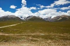 Tibet berglandskap Royaltyfri Fotografi