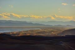 Tibet grässlätt och öken royaltyfri bild