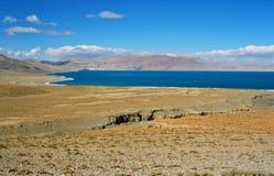 Tibet, het meer van Paiku Tso. Stock Foto's