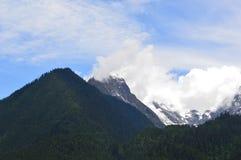 Tibet-Landschaftschnee-Berg Stockfoto