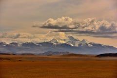 Tibet monteringsnaimonanyi och sjö Manasarovar Arkivfoto