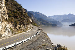 Tibet: road along ranwu lake Royalty Free Stock Photo