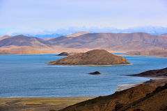 Tibet Yamdrok lake snow mountain lake Yangzhuoyongcuo Stock Photos