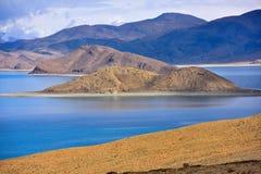 Tibet Yamdrok lake snow mountain lake Yangzhuoyongcuo Royalty Free Stock Images