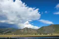 Tibetaans landschap Royalty-vrije Stock Afbeeldingen