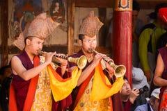 Tibetaanse boeddhistische monniken in het Hemis-festival royalty-vrije stock afbeeldingen