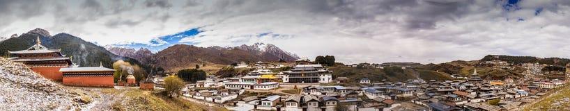 Tibetan buddistisk kloster i Kina Arkivbild