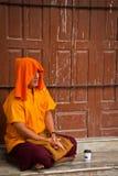 Tibetan buddistisk munk av den Boudhanath templet, Katmandu, Nepal fotografering för bildbyråer