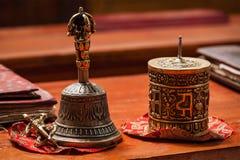 Tibetan buddistisk stilleben royaltyfria bilder
