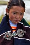 Tibetan flicka i Dolpo, Nepal Royaltyfria Foton
