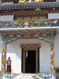 tibetan ingångsklostermonk Arkivbilder