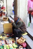 Tibetan peddler set up a stall Royalty Free Stock Photos