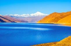 Tibetan plateau scene-Yamzho Yumco(yangzhoyong lake) Stock Photo