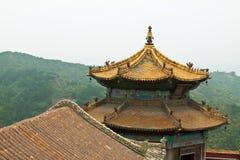 Tibetanische Architektur in Putuo-Tempel von Fällen, Chengde, Berg stockbild