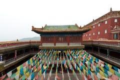 Tibetanische Architektur in Putuo-Tempel von Fällen, Chengde, Berg lizenzfreie stockbilder